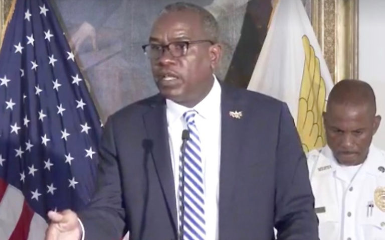 Governor Tells Investors, 'We're Rebuilding'