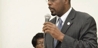 Sen. Marvin Blyden calls Robert O'Connor 'a humble giant.' (File photo by Barry Leerdam for the V.I. Legislature)