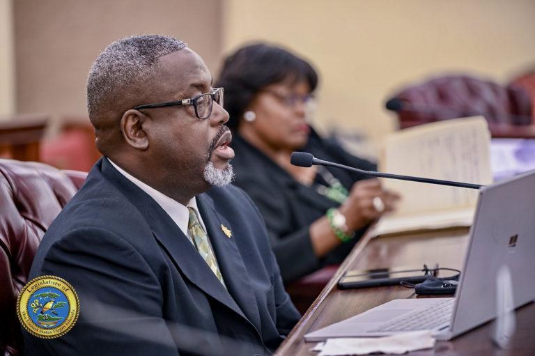 Senators Criticize High-Paying Supervisory Positions at Procurement