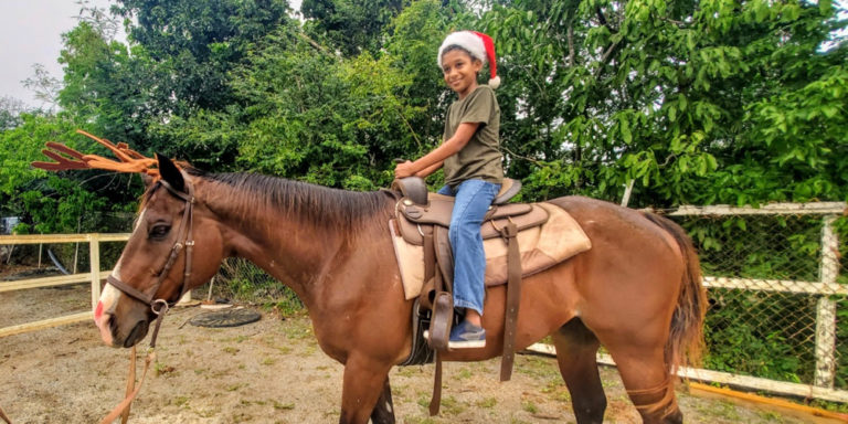 Golden Age Ranch Launches 'Holly Neigh Photo Day' Fundraiser