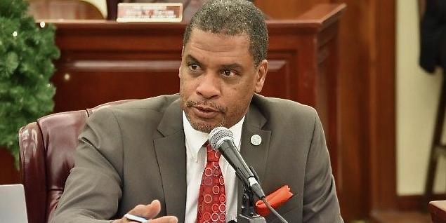 Senators Critical of Absenteeism, School-Opening Plans